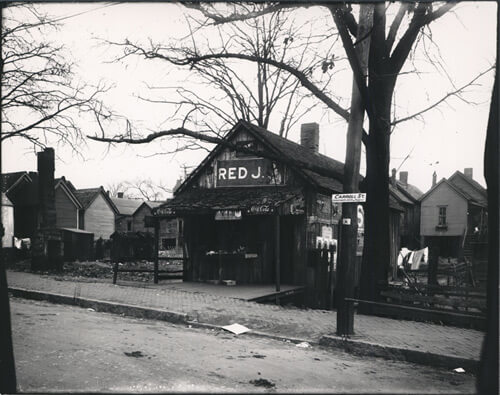 Red J. Store on Carroll Street, ca. 1910–1920. Fulton Bag and Cotton Mills Digital Collection, Georgia Institute of Technology, vam004-015.