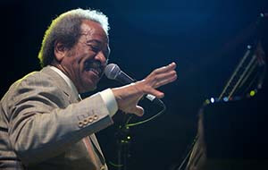 Guillaume Laurent, Allen Toussaint at Jazz à Juan, Juan-les-Pins, France, 2009.