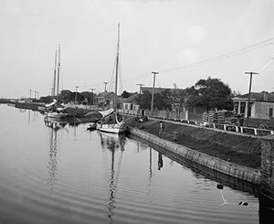Evening on Bayou St. John, New Orleans, between 1900 and 1906. Library of Congress, Prints & Photographs Division, Detroit Publishing Company Collection, LC-D4-16350.
