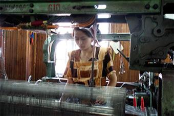 Mary E. Frederickson, Margilan Weave Room, Uzbekistan, 2006.