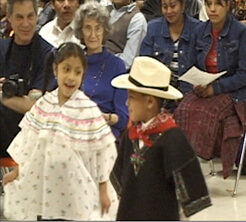 William Brown and Mary Odem, Niños bailando en el día de la celebración de Santa Eulalia, Condado Cherokee, Georgia, 2003.