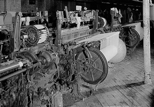 Draper looms, Bamberg Cotton Mill, Bamberg, South Carolina, 1987. Courtesy of the Library of Congress, National Child Labor Committee Collection.