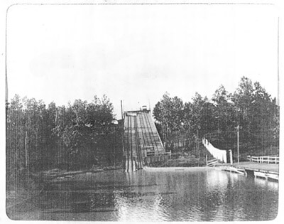 Lakewood Park's Shoot-the-Chutes circa 1895, from the Healey Collection, courtesy of the Atlanta-Fulton County Public Library