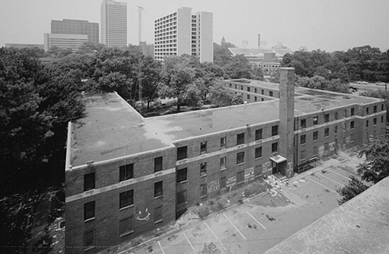 Library of Congress, View of rooftop from motel adjacent to Techwood Homes, Atlanta, Georgia, date unknown.