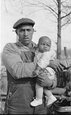 Arthur Rothstein, Evicted sharecropper and child, New Madrid County, Missouri, January 1939. FSA-OWI Collection, Library of Congress, LC-USF33- 002945-M2