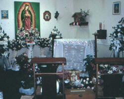 Blessed Sacrament Chapel in the Misión Católica de Nuestra Señora de las Américas. Doraville, Georgia. Photo by Mary Odem, 2000