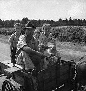 Dorothea Lange, sharecropper family near Hazlehurst, Georgia, 1937. Library of Congress , Prints and Photographs Division, FSA-OWI Collection, LC-USF34- 017762-E.