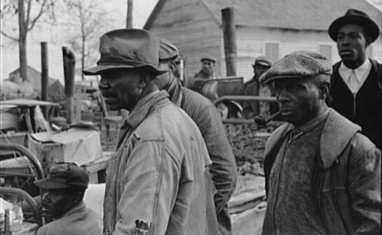 Arthur Rothstein, Evicted sharecroppers along Highway 60, New Madrid County, Missouri, January 1939, FSA-OWI Collection, Library of Congress, LC-USF33- 002923-M5.