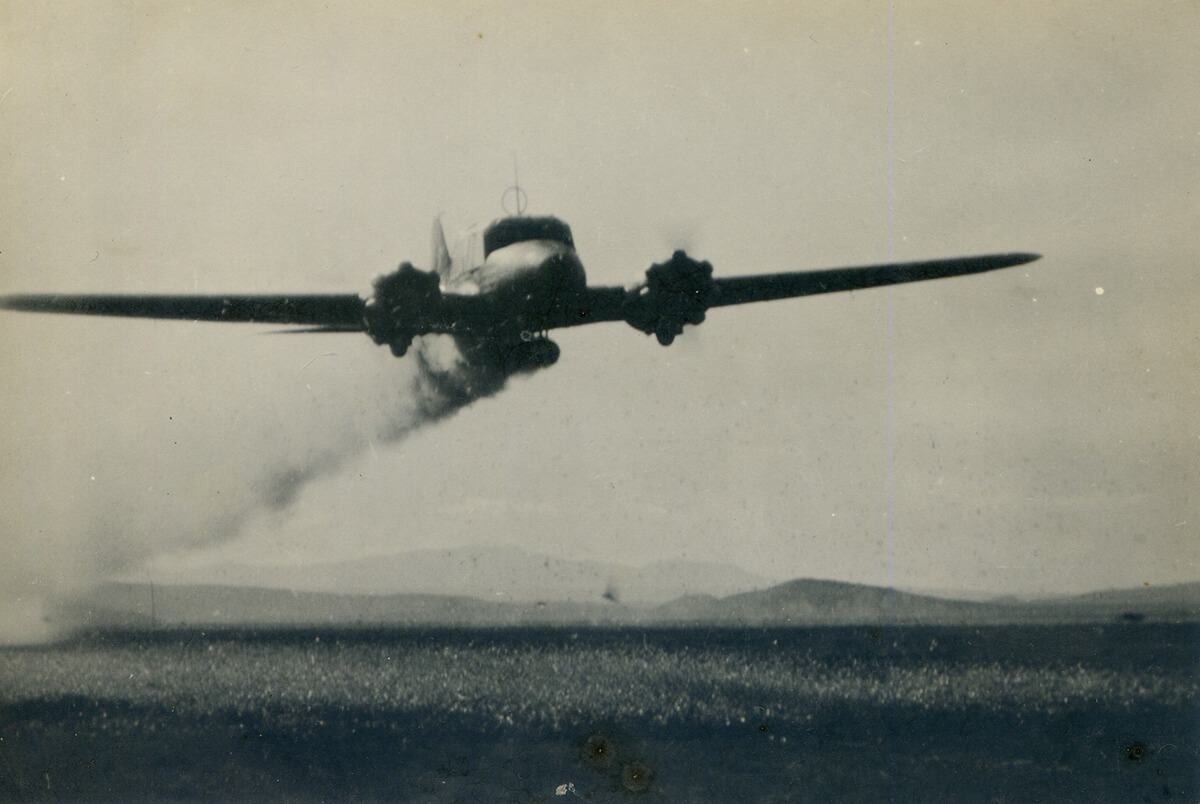 Crop Dusting. Image scan by Flickr user Sarah, June 19, 2011. Creative Commons license CC BY 2.0.