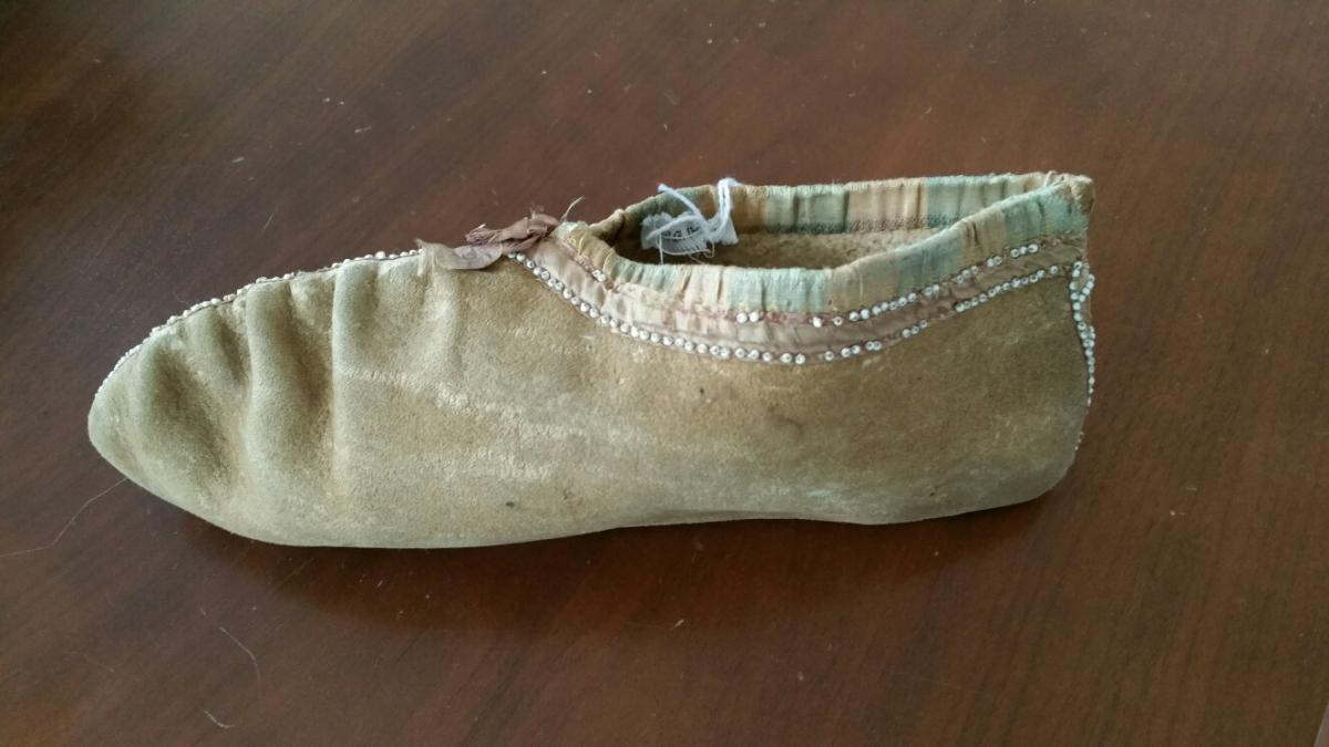 Cherokee moccasin, ca. 1830. Courtesy of Chieftains Museum/Major Ridge Home. Image provided by Sarah H. Hill.