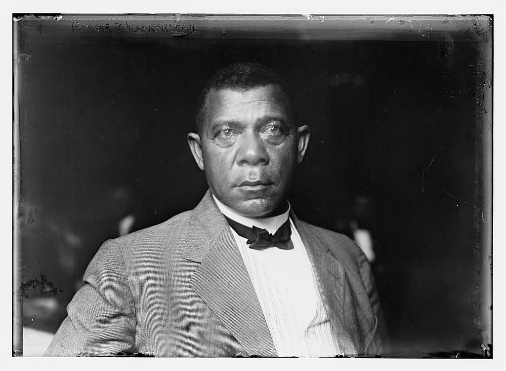 Black and white portrait of Booker T. Washington from Bain News Service, ca. 1900. Courtesy of Library of Congress Prints and Photographs Division, https://www.loc.gov/item/ggb2004005046/