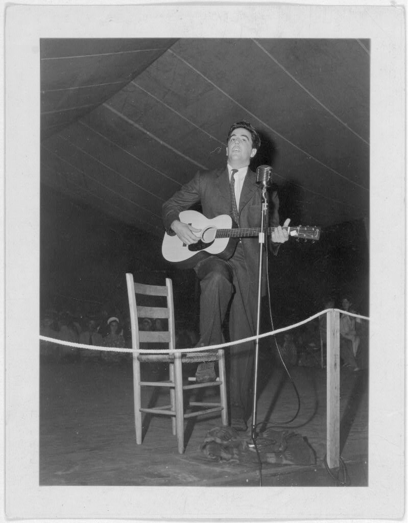 Alan Lomax, Mountain Music Festival, Asheville, North Carolina, 1938. Photograph from The Lomax Collection, Library of Congress. Courtesy of the Library of Congress, Prints and Photographs Online Catalog, digital ID http://hdl.loc.gov/loc.pnp/cph.3c12693.
