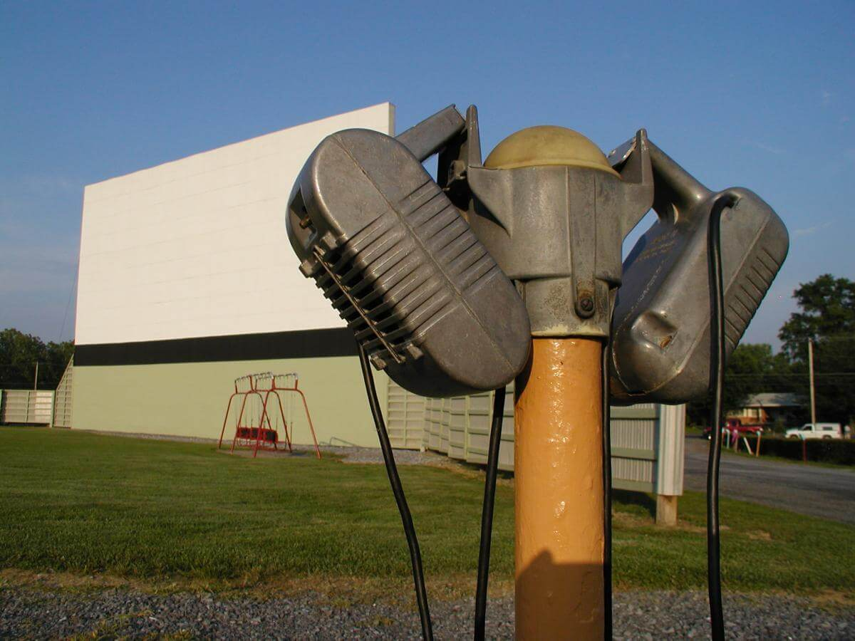 Starlit Screens Preserving Place And Public At Drive In Theaters Southern Spaces