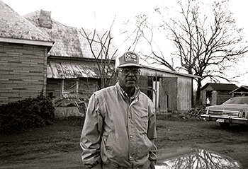 Welchel Long, Dewey Rose, Georgia, 1987. Photograph by Lu Ann Jones. Courtesy of National Museum of American History, LJ 87-17112-2.