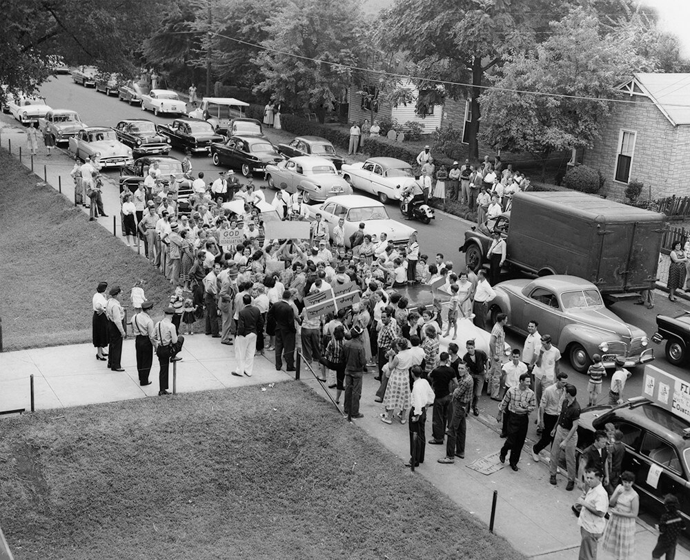 Protesters in the street on the day Nashville schools were desegregated, Nashville, TN, September 1957. © Nashville Public Library.