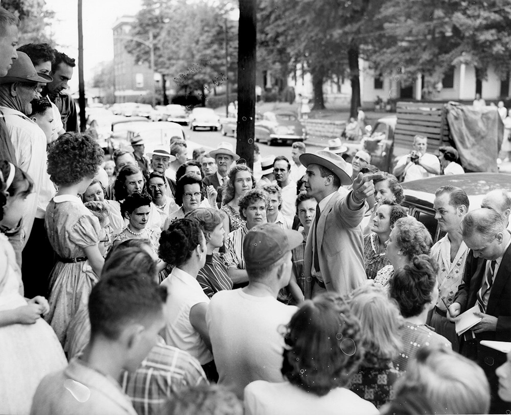 John Kasper speaking to a crowd, Nashville, TN, September 1957. © Nashville Public Library.​​
