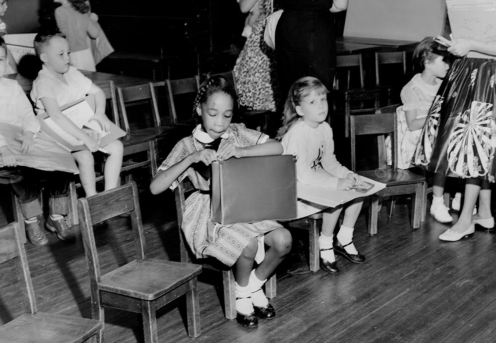 Lajuanda Street and a new classmate at Glenn Elementary, Nashville, TN, September 1957. © Nashville Public Library.​​