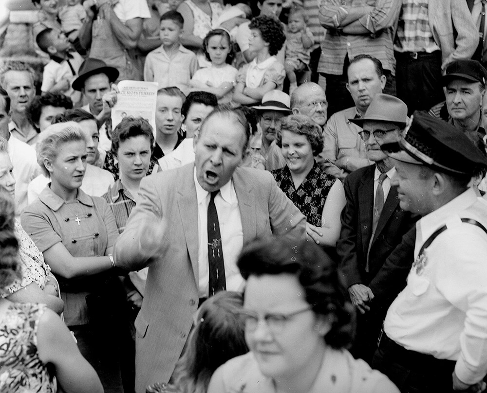 Fred Stroud rails against integration, Nashville, TN, September 1957. © Nashville Public Library.​​