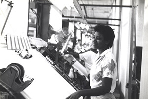 African American Woman Working in a Textile Plant, Tennessee, circa late 1970s. Courtesy of Special Collections and Archives, Georgia State University Library, Southern Labor Archives, Amalgamated Clothing and Textile Workers Union, Memphis-Jackson Joint Board Records, L1992_11_91.