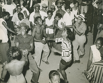 Pavilion scene, Carr's Beach, Maryland, July, 1956. Used with permission from WANN Radio Station Records, Archives Center, National Museum of American History, Smithsonian Institution, AC0800-0000006.