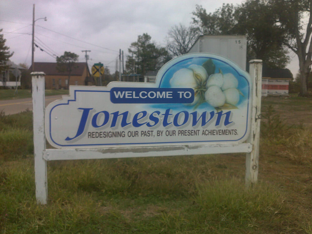 Jonestown, Mississippi Welcome Sign, November 4, 2011. Photograph by Wikimedia Commons user chillin662. Creative Commons license CC BY-SA 3.0.