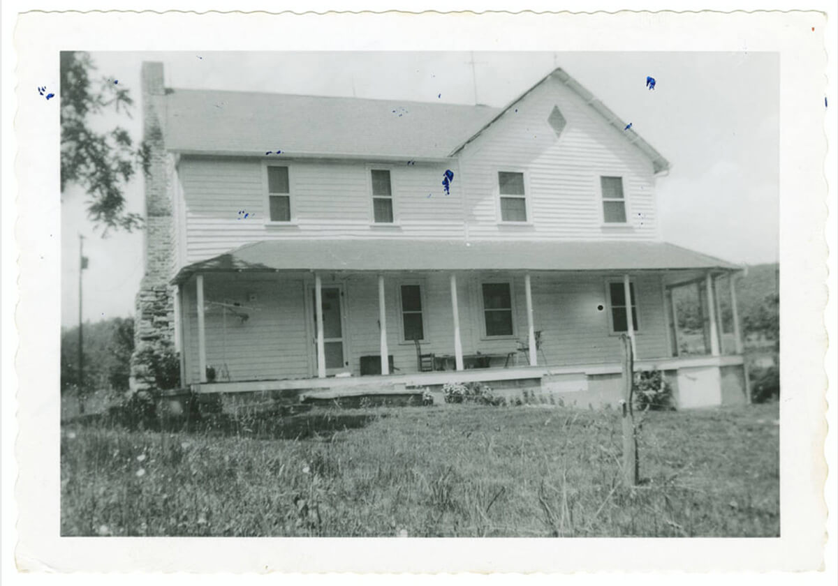 Home of Chang and Eng Bunker, Wilkes County, North Carolina, ca. 1930–1950. Photograph by unknown creator. Courtesy of the Southern Historical Collection, Louis Round Wilson Special Collections Library, University of North Carolina at Chapel Hill.