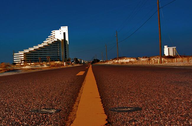 Mark Connelly, Gulf Coast highway, Orange Beach, Alabama, 2006.