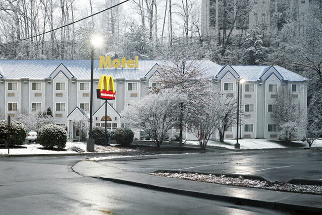 Tammy Mercure, Winter motel, Pigeon Forge, Tennessee, 2009.