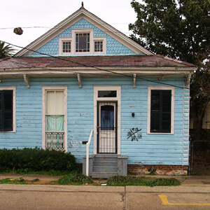 Blue Cottage, 916 Moss Street, Faubourg St. John, New Orleans, Louisiana, 2010. Photograph by Cynthia Scott. © Cynthia Scott.