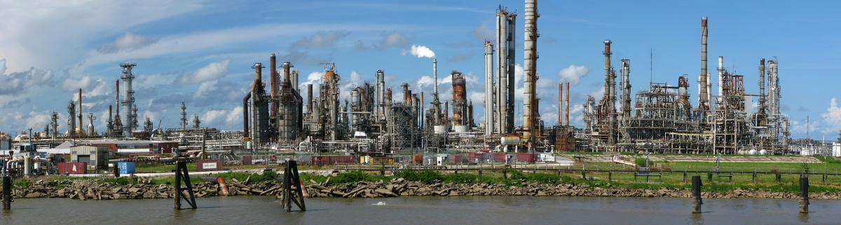 New Orleans Oil Refinery, New Orleans, Louisiana, October 14, 2010. Photograph by Flickr user Steve Selwood. Creative Commons license CC BY-NC-SA 2.0.