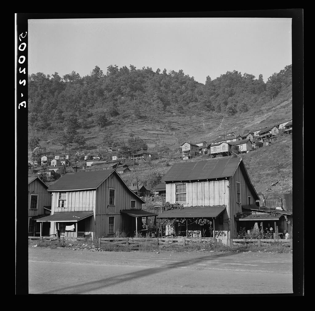 Bluefield section of coal mining town, Welch, West Virginia, 1938. Photograph by Marion Post Wolcott. Courtesy of the Library of Congress Prints and Photographs Division, loc.gov/pictures/item/2017799282.