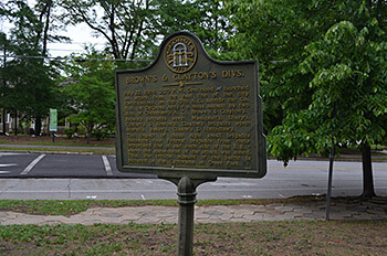 Historical marker of Confederate line prior to Battle of Atlanta attack, Inman Park, Atlanta, Georgia, May 10, 2014. Photograph by Daniel Pollock.