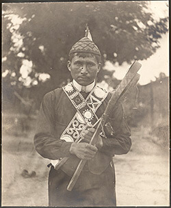 An outdoor portrait of Jim Tubby, Neshoba County and Scott County, Mississippi, 1908. Photograph by Mark Raymond Harrington. Courtesy of the National Museum of the American Indian, Mississippi Choctaw Collection, P12169.