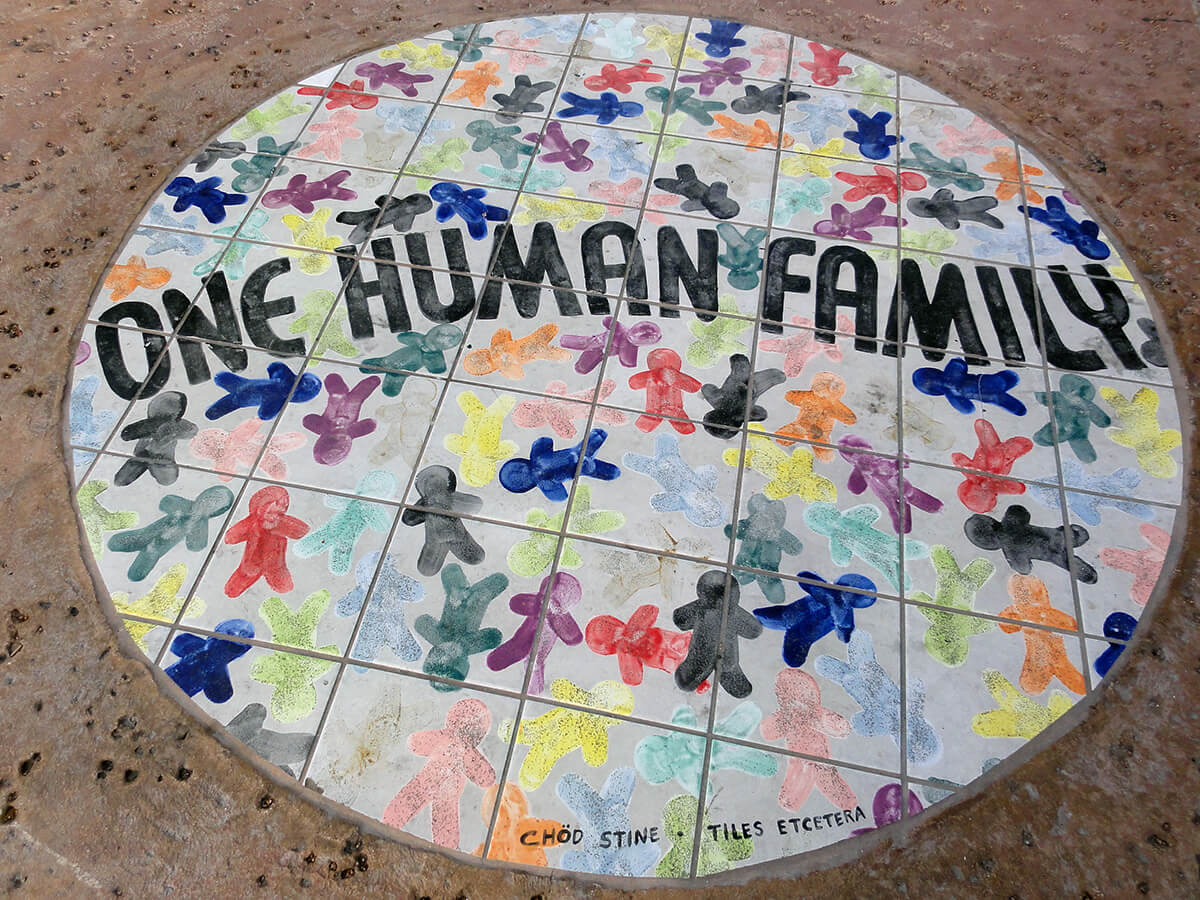 One Human Family mosaic, Key West, Florida, May 15, 2010. Photograph courtesy of Flickr user inazakira. Creative Commons license CC BY-SA 2.0.