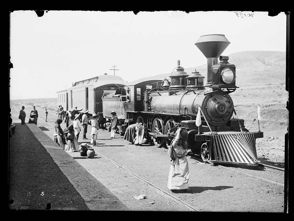 Mexican Central Railway, Central Mexico, ca. 1880–1897. Photograph by William Henry Jackson. Courtesy of the Detroit Publishing Company Photograph Collection, Library of Congress Prints and Photographs Division, http://www.loc.gov/resource/det.4a27391/.
