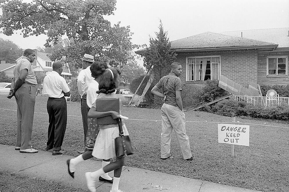 Group of African Americans viewing the bomb-damaged home of Arthur Shores, NAACP attorney, Birmingham, Alabama, September 5, 1963. Courtesy of the Library of Congress, Prints and Photographs Division, http://www.loc.gov/pictures/item/2003673963/.