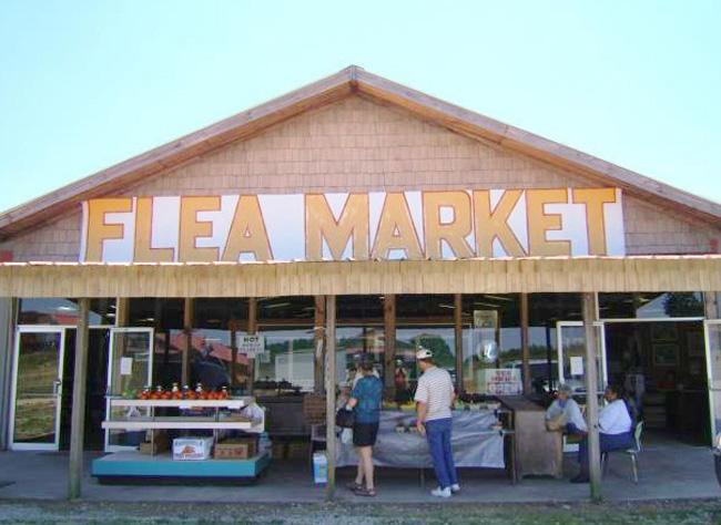 Micah Wedemeyer, Flea market, near Social Circle, Georgia, 2007.
